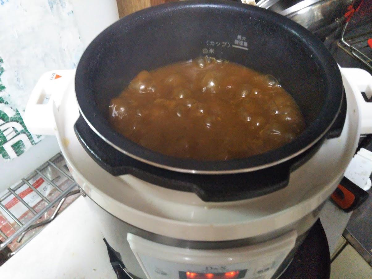 電気圧力鍋は時短で放置料理ができる